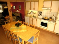 Roomy kitchen with extensible dining table (max. 14 people)